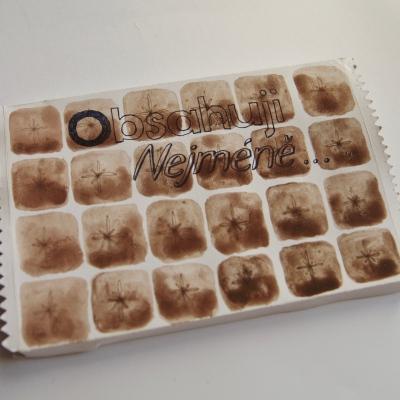 toto jest má midi knížečka kde zkoumám procenta kakaa v čokoládách